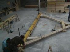 Artisan charpentier construction charpente ferme maison bois