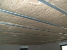 Isolation des plafonds de maison ossature bois 1