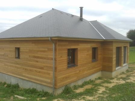 Maison construite sur sous sol en bois