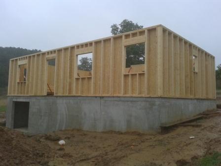 Maison fabriqu e en ossature bois construite sur sous sol for Vaisselle en bois pour maison