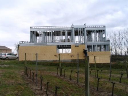 villa moderne en ossature m tallique avec toiture v g talis. Black Bedroom Furniture Sets. Home Design Ideas