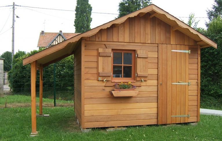 Abri de jardin construit en bois