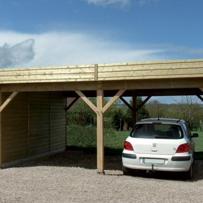 Carport fabriqué en bois 930x590