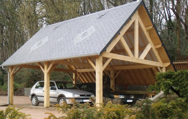 CHARRETTERIE-fabriquée en bois et couverture ardoises