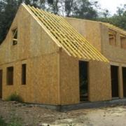 Construction d'une maison bois fabriquée en ossature bois