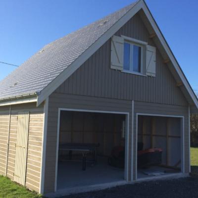 Garage bois avec étage aménagé fabriqué en ossature bois