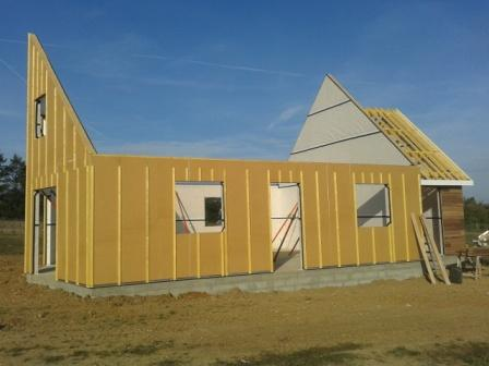 Isolation par l'extérieur d'une construction en ossature bois