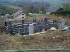 Construction fondations maison structure acier