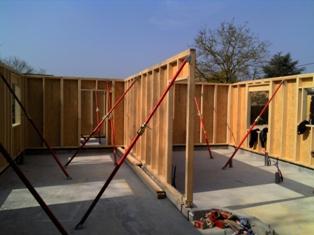 Fabrication des murs d une maison ossature bois