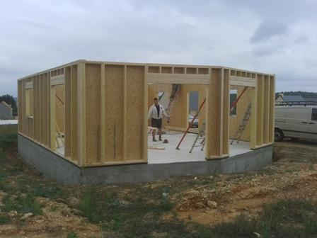 Construction de maison fabriqu e en ossature bois evreux for Construction en ossature bois