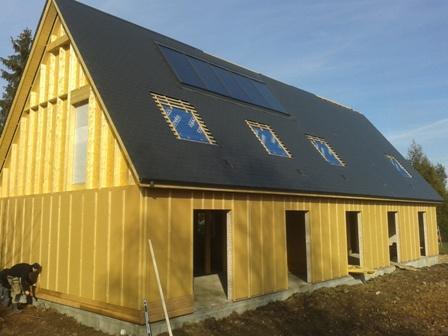 Fabrication en atelier et montage chantier d 39 ossature bois for Exterieur maison bois