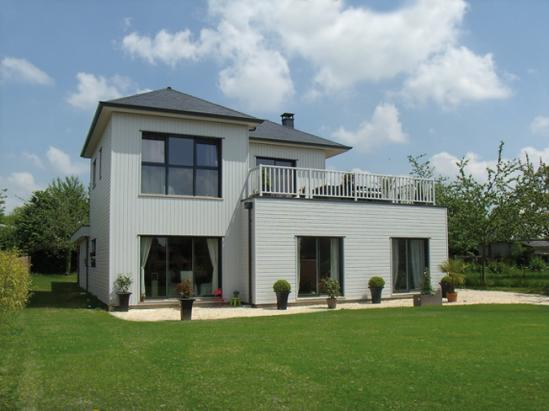 Maisons ossature bois avec bardage de couleurs for Couleur exterieur pour maison
