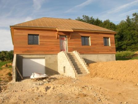 maison fabriqu e en ossature bois construite sur sous sol