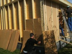 Pose isolation selon rt2012 dans une ossature bois