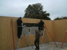 Pose linteau fenetre sur construction maison en bois en normandie 1