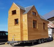 Tiny house images de construction d une micro-maison sur roues